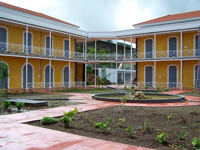Université_des_Antilles_et_de_la_Guyane